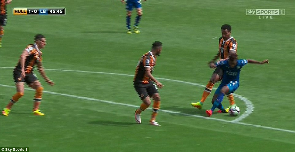 give Leicester a penalty despite the initial contact from Huddlestone taking place outside the penalty area