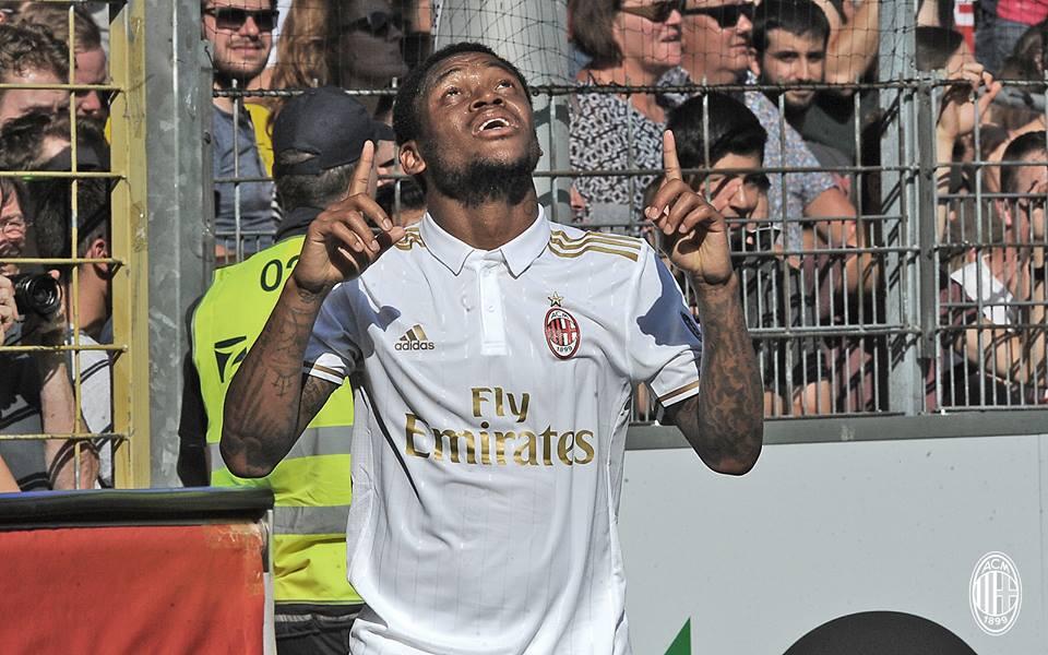 SCFACM 0_2 Luiz Adriano scored a brace