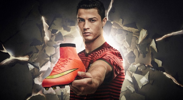 Cristiano Ronaldo with Mercurial Superfly native 600