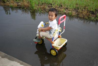 ヒロ君三輪車