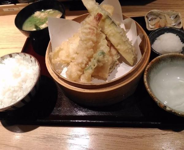 MarufukuFushimimomoyama_001_org.jpg
