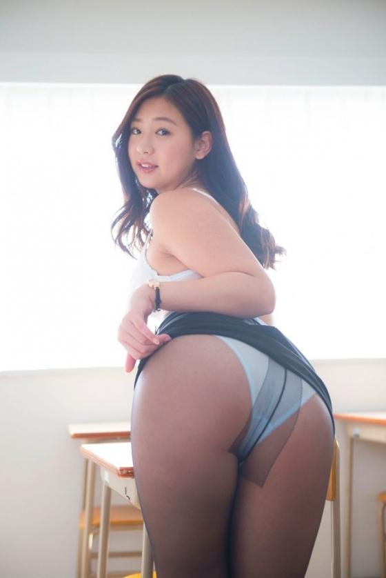 佐山彩香 恋のガイダンスのFカップ谷間と巨尻キャプ 画像57枚 2