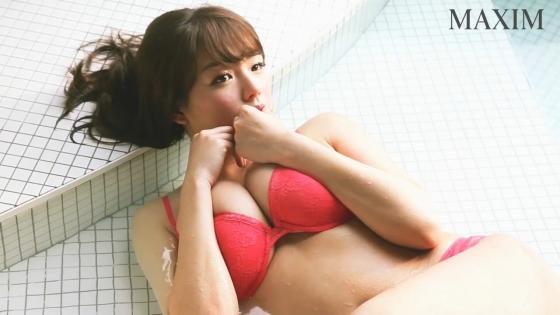 篠崎愛 MAXIMのGカップ水着姿最新グラビアキャプ 画像29枚 1