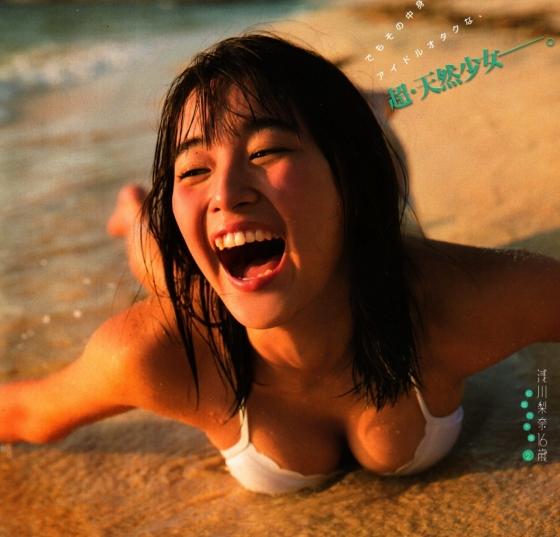浅川梨奈 ヤングマガジン最新Eカップ水着グラビア 画像28枚 28