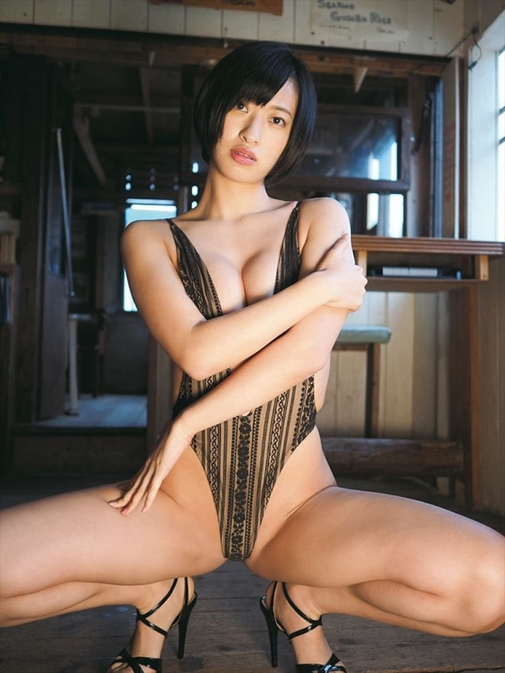 倉持由香 DVD桃尻彼女の巨尻食い込み割れ目キャプ 画像45枚 40