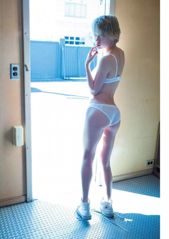 篠崎こころ Cカップ下乳を披露した週プレ下着姿グラビア 画像14枚 7