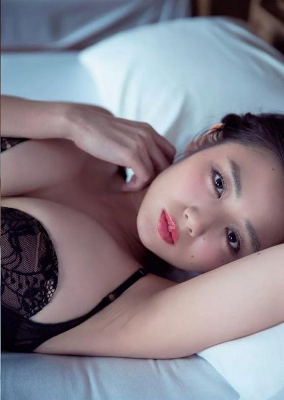 片山萌美 週プレの下着姿Gカップ爆乳最新グラビア 画像51枚 3