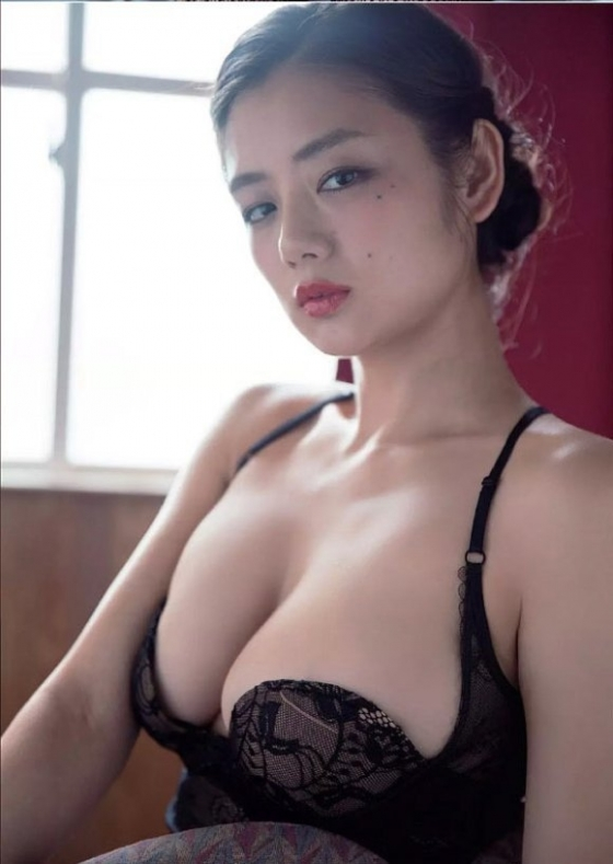 片山萌美 週プレの下着姿Gカップ爆乳最新グラビア 画像51枚 5