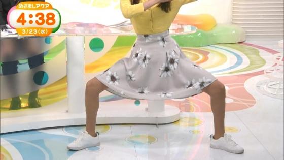岡副麻希 黒い桐谷美玲めざましテレビのパンチラ寸前大開脚キャプ 画像20枚 9