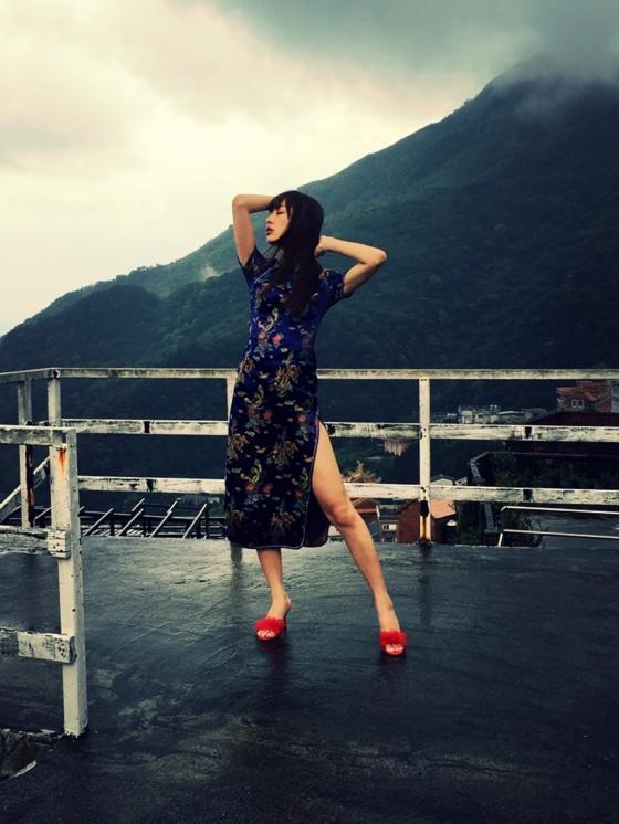 内田理央 ヤングジャンプのチャイナ服美脚&Cカップ水着姿 画像33枚 10