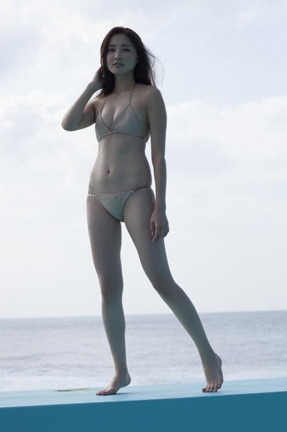 大石絵理 バイセクシャルモデルのCカップ水着週プレグラビア 画像20枚 18