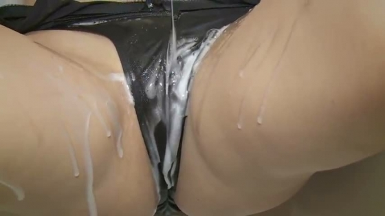 金子智美 溢れるキモチの乳首ポチ&股間食い込みキャプ 画像49枚 34