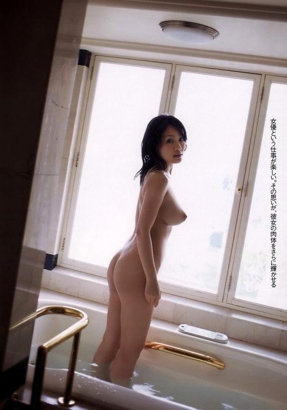 神楽坂恵 Iカップ爆乳も陰毛も披露する女優のヘアヌード 画像27枚 3
