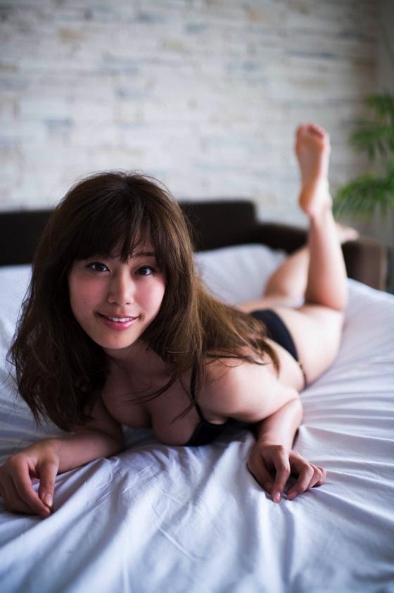 稲村亜美 週プレの水着太もも&Eカップ谷間グラビア 画像28枚 6