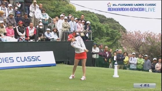 女子プロゴルフ 着衣巨乳やパンチラが悩ましいキャプ 画像32枚 15