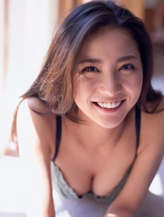 石川恋 フラッシュのDカップ谷間&美尻食い込み 画像31枚 5