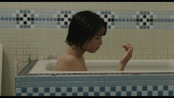 広瀬すず 海街diaryの入浴&バスタオル姿キャプ 画像19枚 4