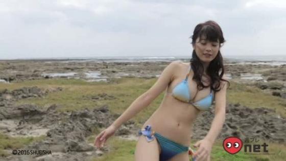馬場ふみか ヤングジャンプ最新号のEカップ谷間水着姿 画像37枚 16