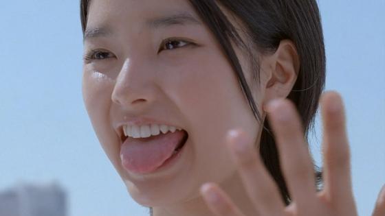 女性芸能人のフェラ顔が想像しやすい舌出しキャプ 画像36枚 4
