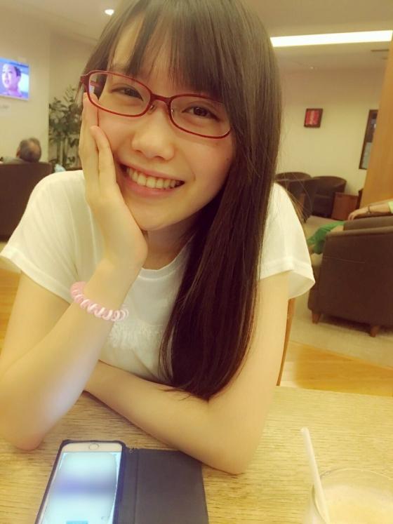 加藤里保菜 メガネなしでも可愛い美少女自画撮り 画像30枚 11