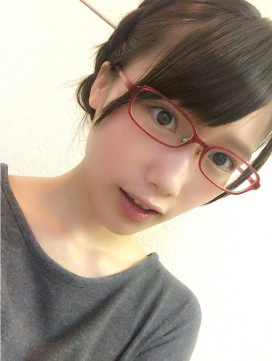 加藤里保菜 メガネなしでも可愛い美少女自画撮り 画像30枚 14