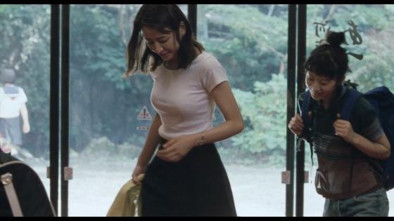 長澤まさみ 海街diaryの着替えブラ姿と着衣巨乳キャプ 画像32枚 16