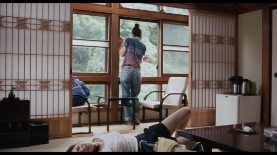 長澤まさみ 海街diaryの着替えブラ姿と着衣巨乳キャプ 画像32枚 19