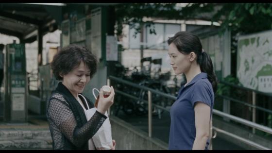 長澤まさみ 海街diaryの着替えブラ姿と着衣巨乳キャプ 画像32枚 25