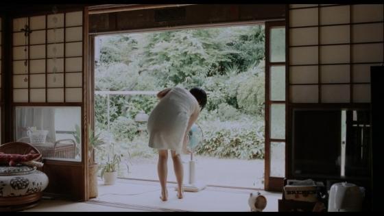 長澤まさみ 海街diaryの着替えブラ姿と着衣巨乳キャプ 画像32枚 28
