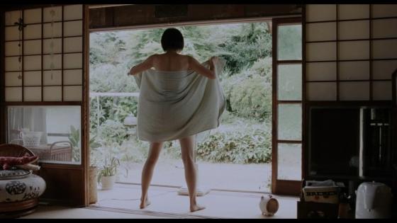 長澤まさみ 海街diaryの着替えブラ姿と着衣巨乳キャプ 画像32枚 29