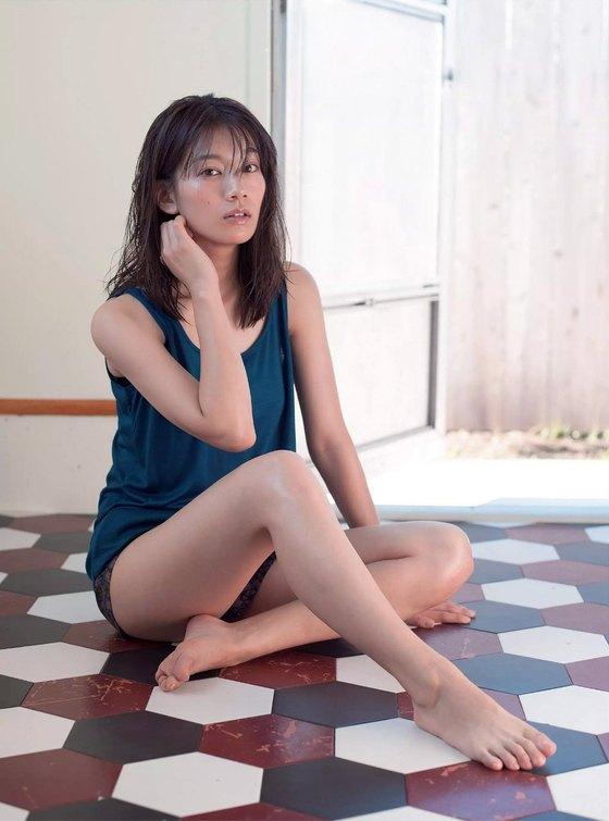佐藤美希 水着姿Fカップ谷間&腋が眩しい週プレ最新グラビア 画像25枚 24