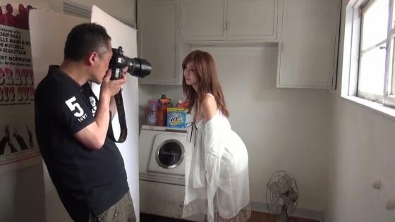 池田エライザ Gカップ爆乳谷間を着衣で披露したグラビア 画像28枚 13