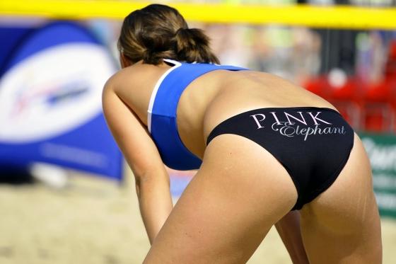 女子ビーチバレー選手のビキニ食い込みお尻&股間 画像33枚 22