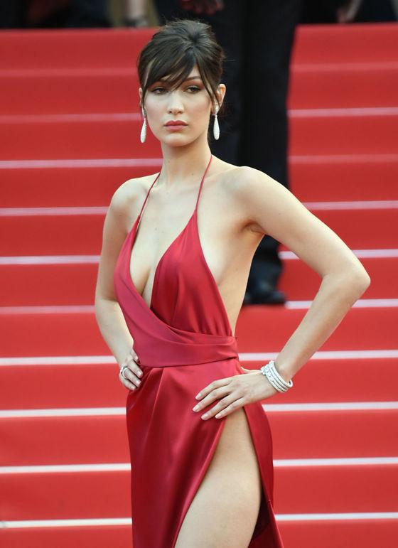 ベラ・ハディッド 陰毛と横乳がポロリしたカンヌのドレス姿 画像30枚 16