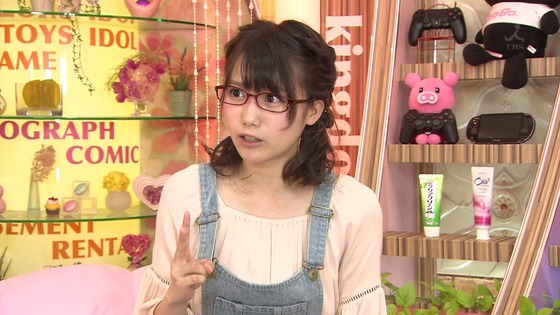 加藤里保菜 メガネなしの歯磨き姿&太ももキャプ 画像30枚 29