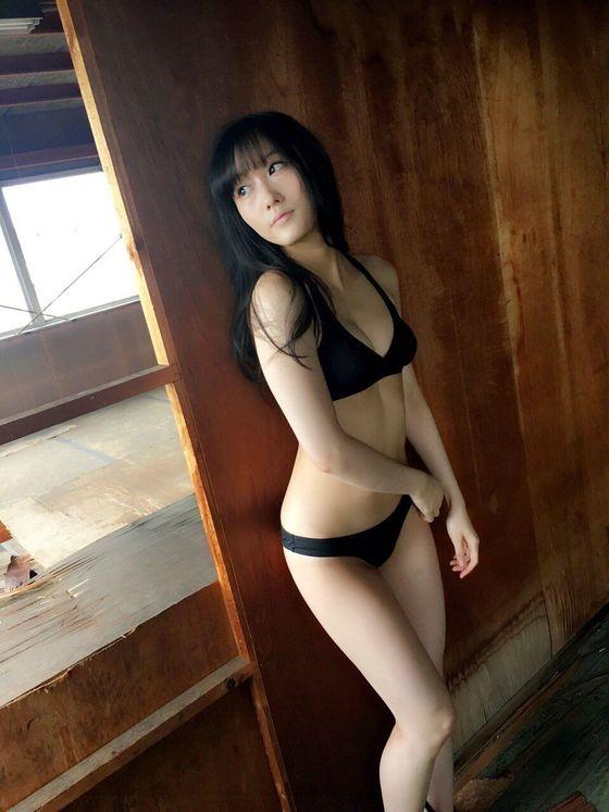 矢倉楓子 abemaTVのお尻の割れ目&ブラチラキャプ 画像14枚 9