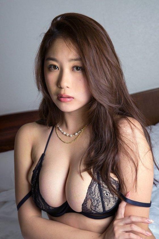 西田麻衣 Sweet BodyのIカップ垂れ乳爆乳キャプ 画像40枚 3