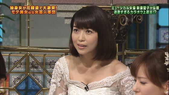 伊藤綾子 さんま御殿のウェディング姿胸チラキャプ 画像30枚 16
