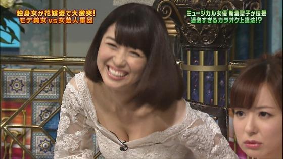 伊藤綾子 さんま御殿のウェディング姿胸チラキャプ 画像30枚 17