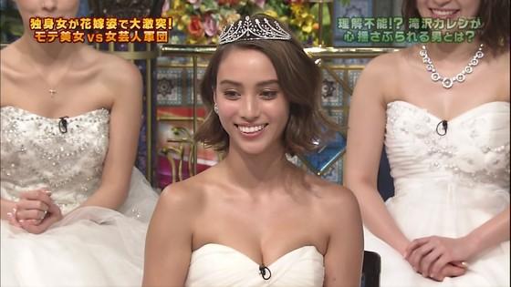 伊藤綾子 さんま御殿のウェディング姿胸チラキャプ 画像30枚 25