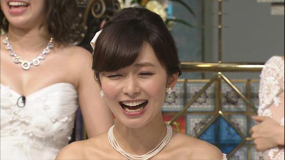伊藤綾子 さんま御殿のウェディング姿胸チラキャプ 画像30枚 4