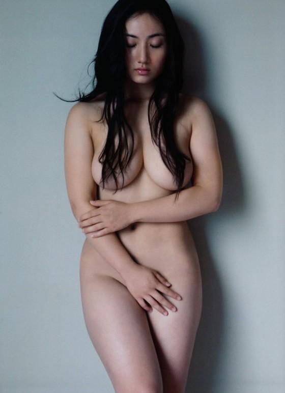 紗綾 フライデーの最新Fカップ巨乳下着姿グラビア 画像19枚 10