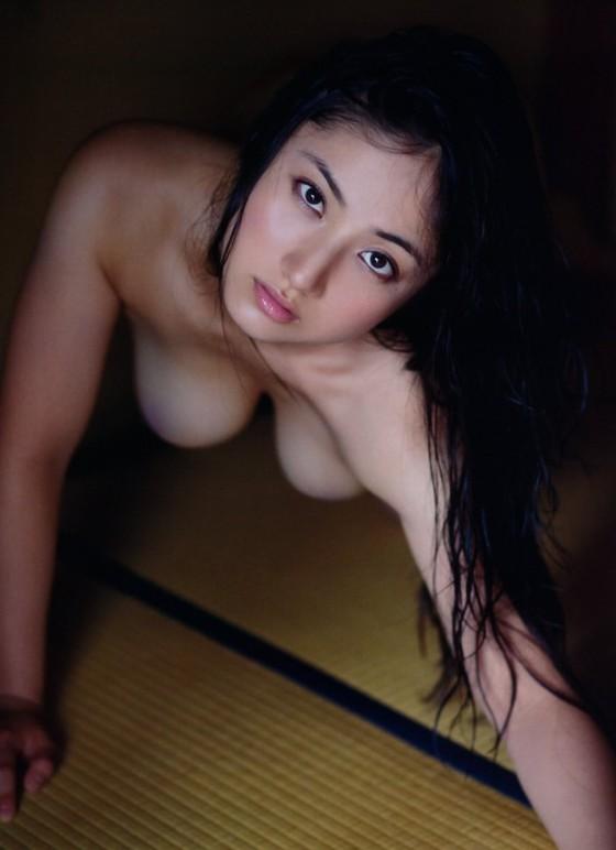 紗綾 フライデーの最新Fカップ巨乳下着姿グラビア 画像19枚 13
