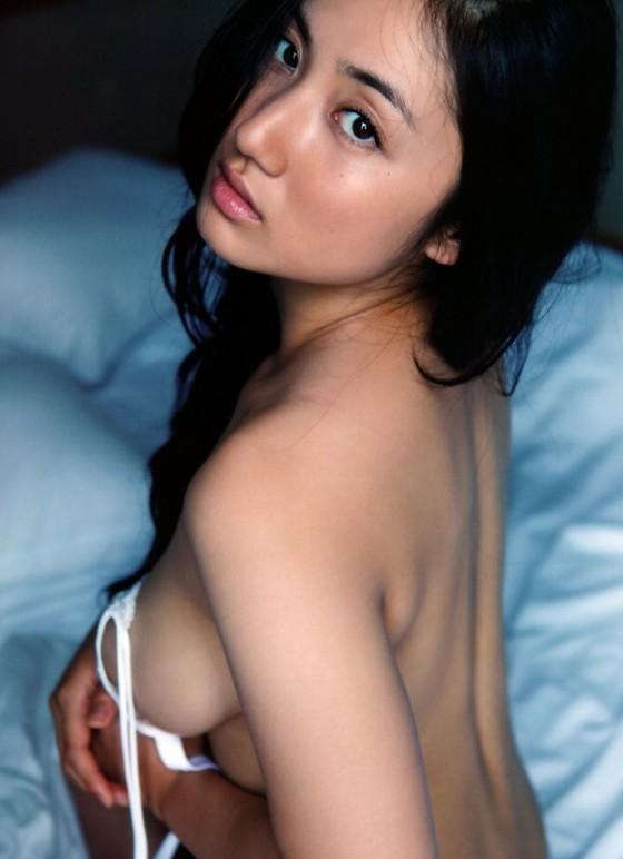 紗綾 フライデーの最新Fカップ巨乳下着姿グラビア 画像19枚 19