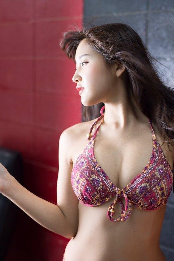 小島みゆ DVDはつみゆのEカップ谷間と食い込みキャプ 画像40枚 38