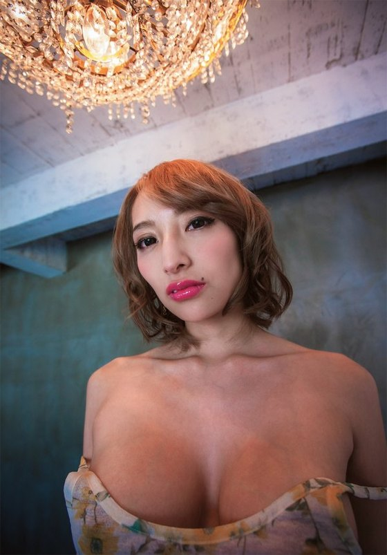 加藤紗里 写真集売名写真のGカップセミヌードby加納典明 画像27枚 3