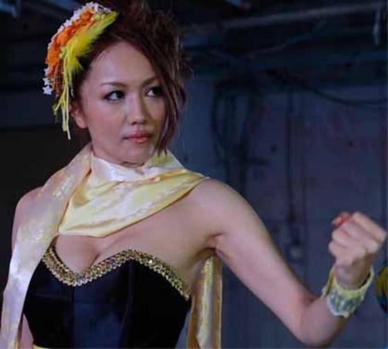 藤川千景 逮捕された美魔女タレントのFカップ谷間 画像19枚 14