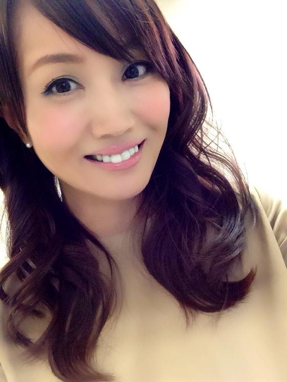 藤川千景 逮捕された美魔女タレントのFカップ谷間 画像19枚 9