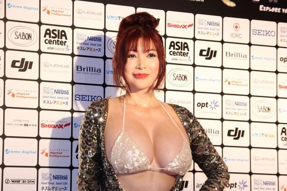 叶美香 ショートショートフィルムフェスティバルの過激衣装 画像25枚 1