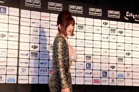 叶美香 ショートショートフィルムフェスティバルの過激衣装 画像25枚 4